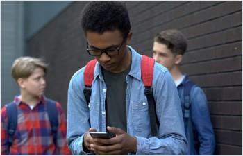 Education des élèves à l'usage des réseaux sociaux